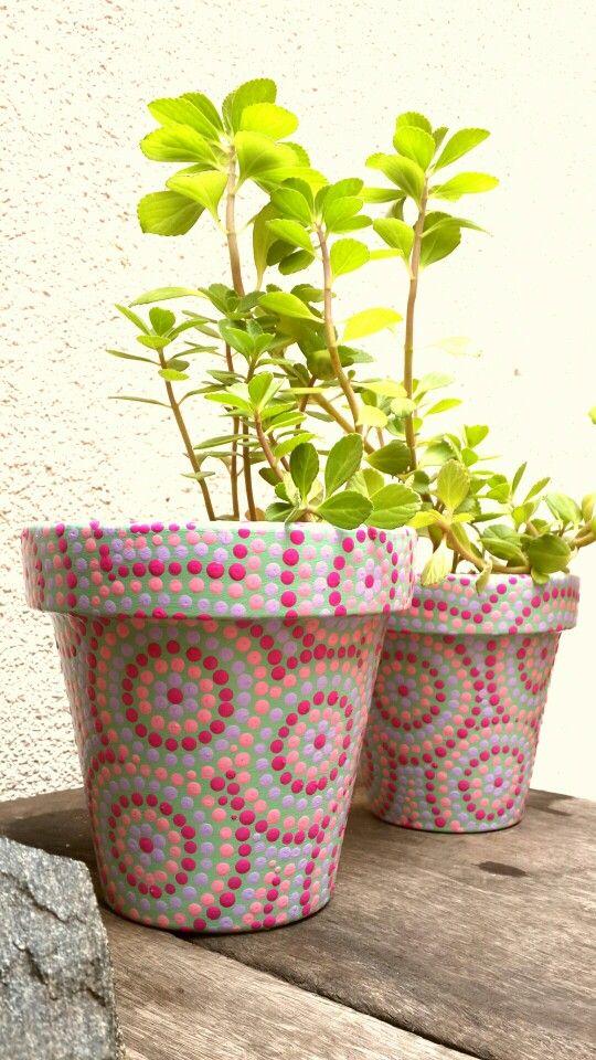 Hand painted flowerpots. Macetas pintadas a mano. Pasteles. Facebook: A'cha Pots. achapots@hotmail.com