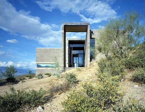Fachadas de casas en el desierto
