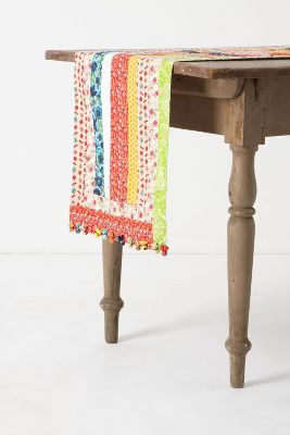 Quilting Circle Table Runner