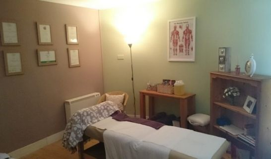 Emily Alldritt - aromatherapy massage, reflexology, indian head massage