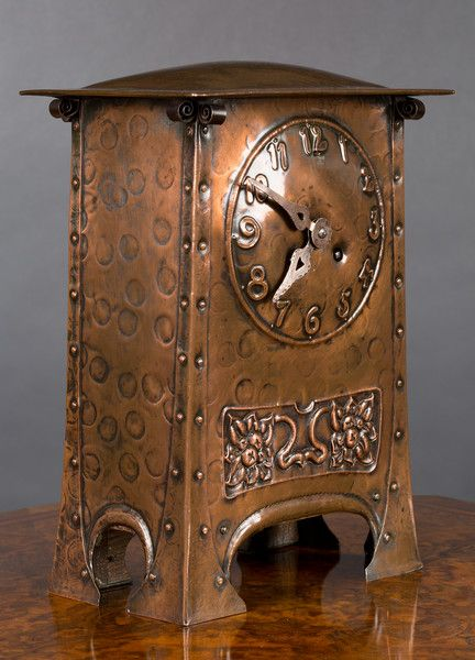 Arts and Crafts Copper Mantel Clock c. 1890 France(The Home of Art & Antiques Online,2017)