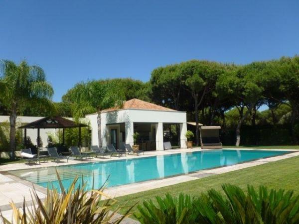Casa de Campo, Aluguer de Férias em Quinta do Lago Reserve e Alugue - 6 Quarto(s), 6.0 Casa(s) de Banho, Para 12 Pessoas - Contemporânea 6 Moradia na Quinta do Lago, Algarve, com piscina em campo de golfe
