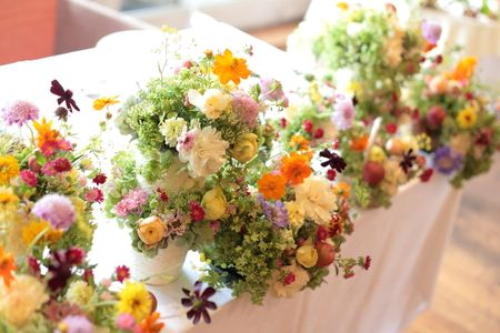 秋の装花 草花で、明るく楽しい結婚式の花に 幕張オレアジ様への画像:一会 ウエディングの花