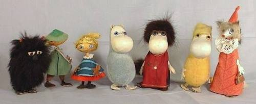 Vintage Moomins from the 1950's.  *covets*