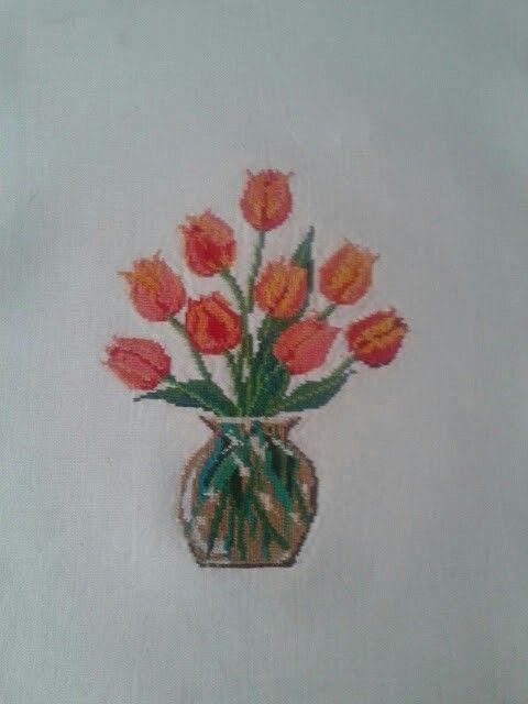 Jarrón don tulipanes