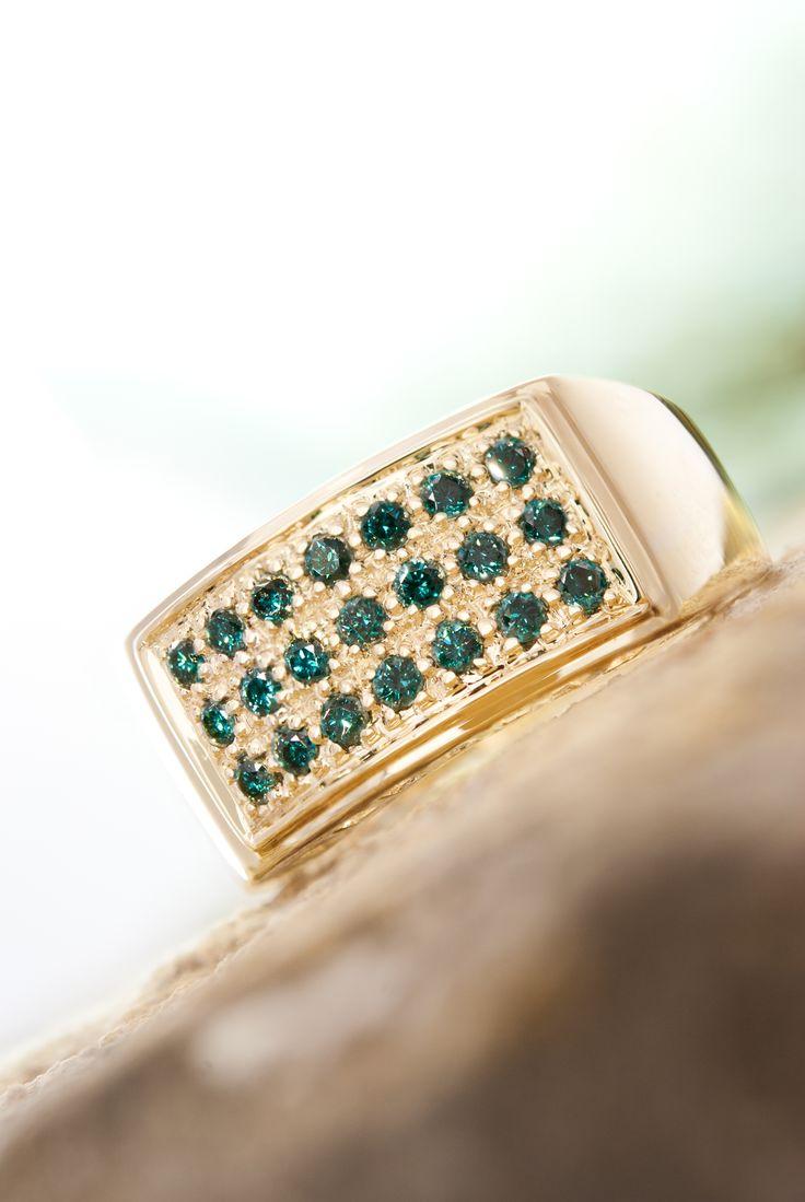 Groene ringen met goud of zilver op juwelo.nl
