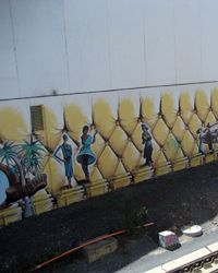 Yellow Trouble: There is a new mural next to the railway line...[design blog]
