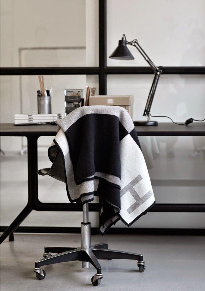 hope-blanket-scarf-grey-pattern ems designblogg