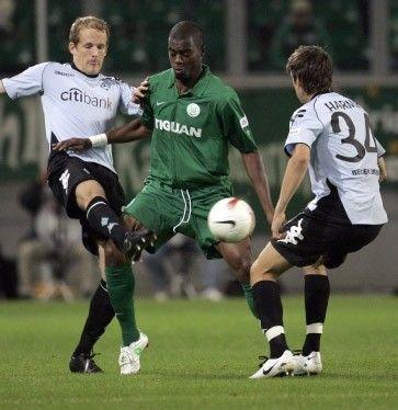 """Nach dem 1:1 gegen Werder Bremen warten die """"Wölfe"""" weiter auf den ersten Heimsieg mit Trainer Felix Magath (25.09.2007)"""