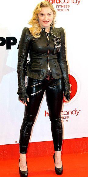 C'est un look tout en cuir pour Madonna !