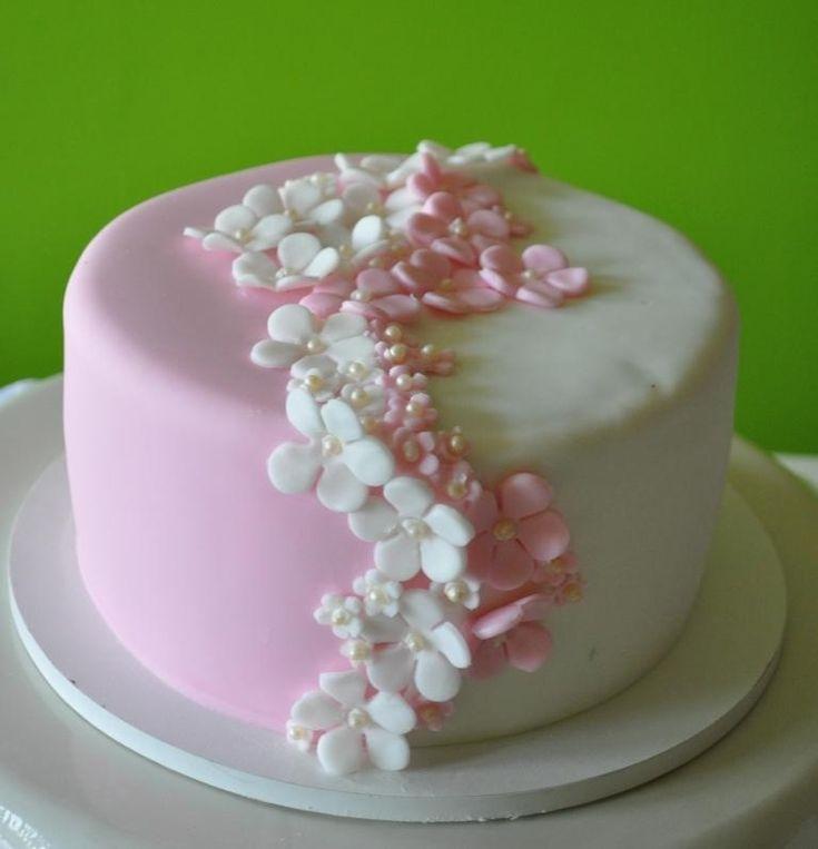 farblich geteilte Torte - auch in türkis möglich