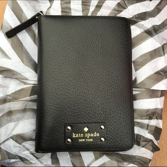 kate spade Wellesley Planner 2016 Planner. Get it before the end of the year! No trades. Price is firm. kate spade Accessories