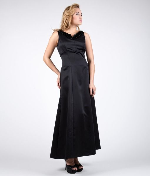 #madeinitaly #wearitalian Glimmer dress in satin of pure silk with a sequin shell embroidery and pearls between crystal. Lined in viscose twill. The outfit has a remarkable wearability, tailored sleeves and a skirt that falls flared all the way to the ankles. It closes with an invisible zip on the back. Suitable for an evening gown, cerimonies and parties.