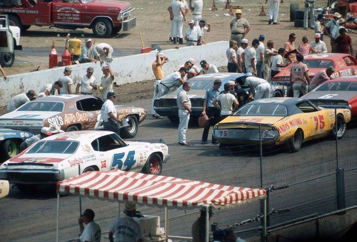 USAC Race: 1971-72.