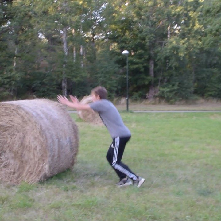 Nearly Landed Kash On A Hay Bale Parkour Pkfr Kash Cash Dash Kong Vaults Fail Nearly Almost High Haybale Outside In 2020 Haha Parkour Hay Bales