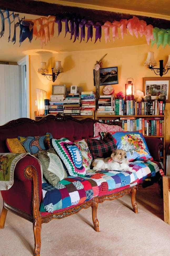 1000 images about bohemian interior aesthetics on for Sofa cama vintage