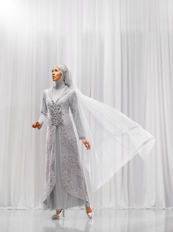 Beautiful Moslem wedding gown by Irna la perle, I want one!