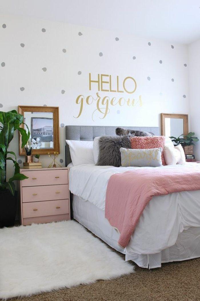 deco chambre gris et rose, commode en couleur pastel, mur pâle à plusieurs pois
