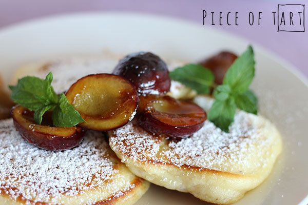 yeast pancakes with apples