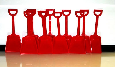 30 Red Plastic Sand Shovels Kids Beach Play Shovels