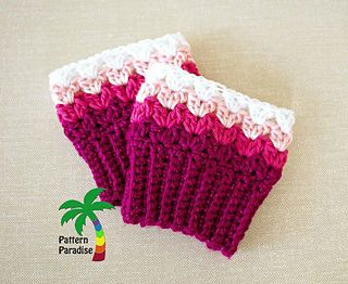 These boot cuffs are so quick to make and pretty in both the graded colors as well as just one color. They are part of a collaborative effort and have coordinating hand warmers and a headband (see links below)
