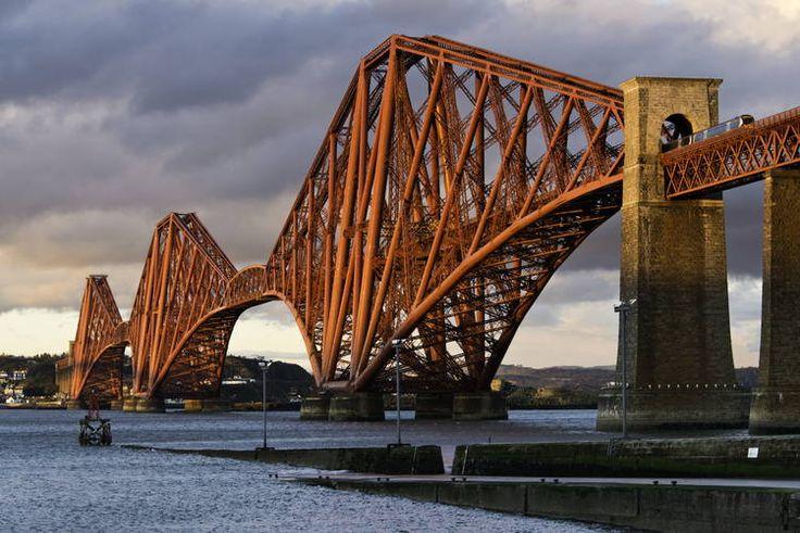 The Forth Bridge, United Kingdom of Great Britain and Northern Ireland. Inscription in 2015. Criteria: (i)(iv)