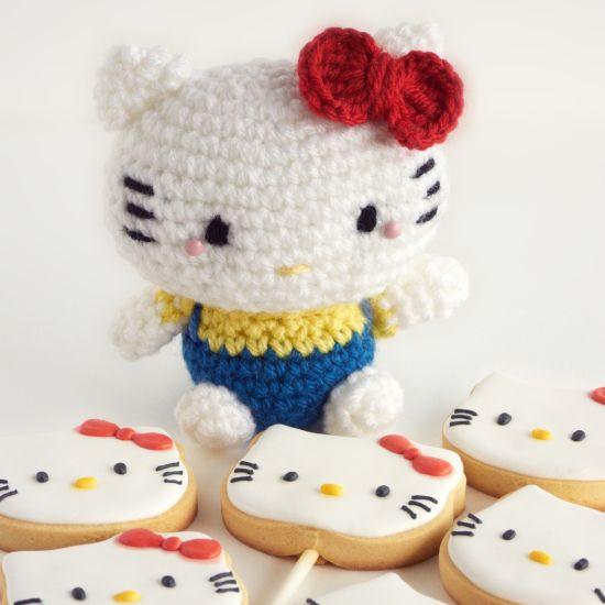 Free Crochet Pattern Heart Shaped Baby Doll : Galletas y amigurumi de Hello Kitty Amigurumis ...