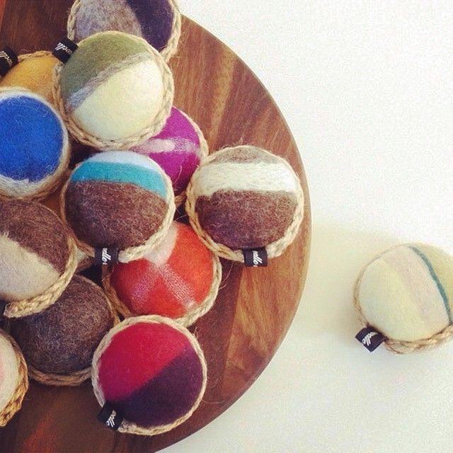 かご針山 by ヒツジフエルト縮絨室-ヒロタリョウコ[Basket pin cushion by Felt Fulling Labo-Ryoko Hirota]hitsuji_felt's photo on Instagram