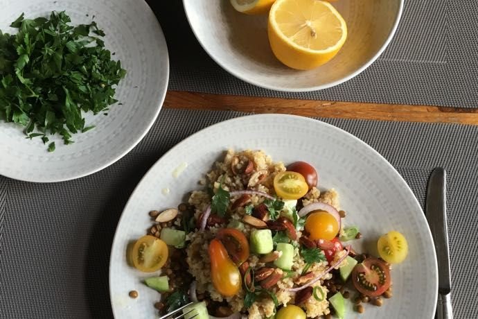 Bulgur linzen salade met citroen-tahin dressing