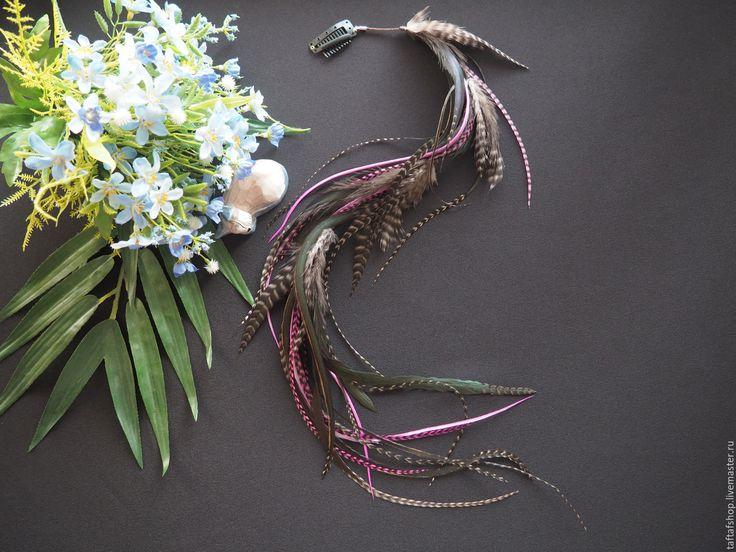 Марибель - серо-розовые перья для волос на съемной заколке - полосатый, перо, перья