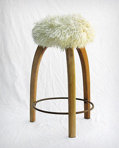 95 best gusta sentarse sillas sillones bancos images on for Sillones de diseno