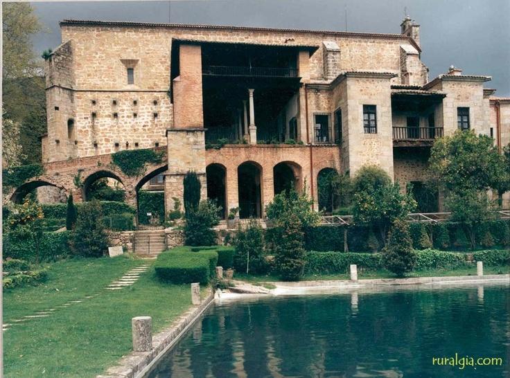 Madrigal de la vera casa rural puerta de la vera la for Madrigal de la vera piscinas naturales