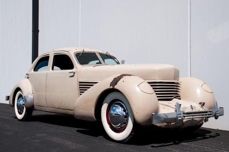 1936 Cord 810 Beverly Sedan
