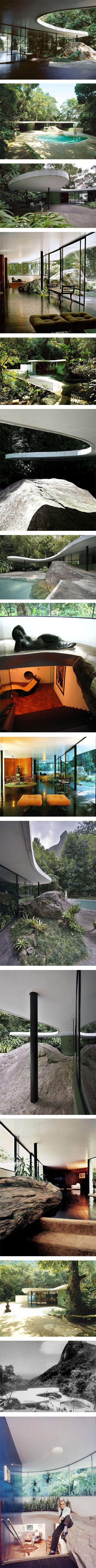"""Oscar Niemeyer's family home 'Casa Das Canoas"""" via Nuji.com"""