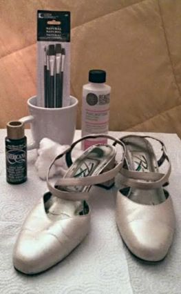 How To Paint Leather Shoes with regular acrylic paint, doubt it works but might be worth a try
