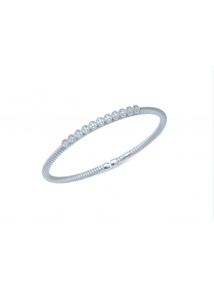 High5store offers you stunning designs of silver bracelet for women that complement any outfit. Free shipping, Reasonable prices and Easy to returns For more : http://www.high5store.com/silver-bracelet