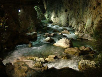 Iluminación nocturna del Sendero de la Cerrada del río Castril.