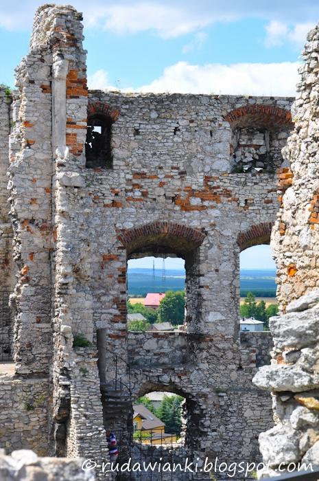 Ogrodzieniec. Poland.  rudawianki.blogspot.com