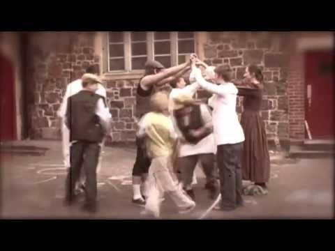 Oranges and Lemons game being played in a Victorian School Playground in Exwick, Exeter - YouTube