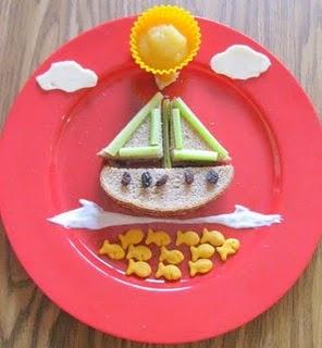 boat and fishies: Fun Food, For Kids, Cute Idea, Sea Food, Foodart, Food Art, Cute Food, Sailing Boats, Kids Food