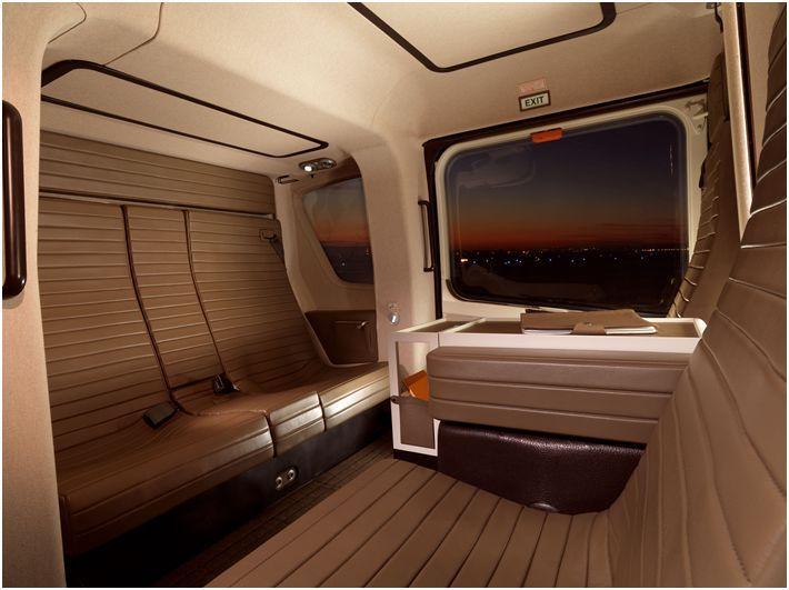 L-Helicoptere-par-Hermes-interior.jpg 710×531 pixels
