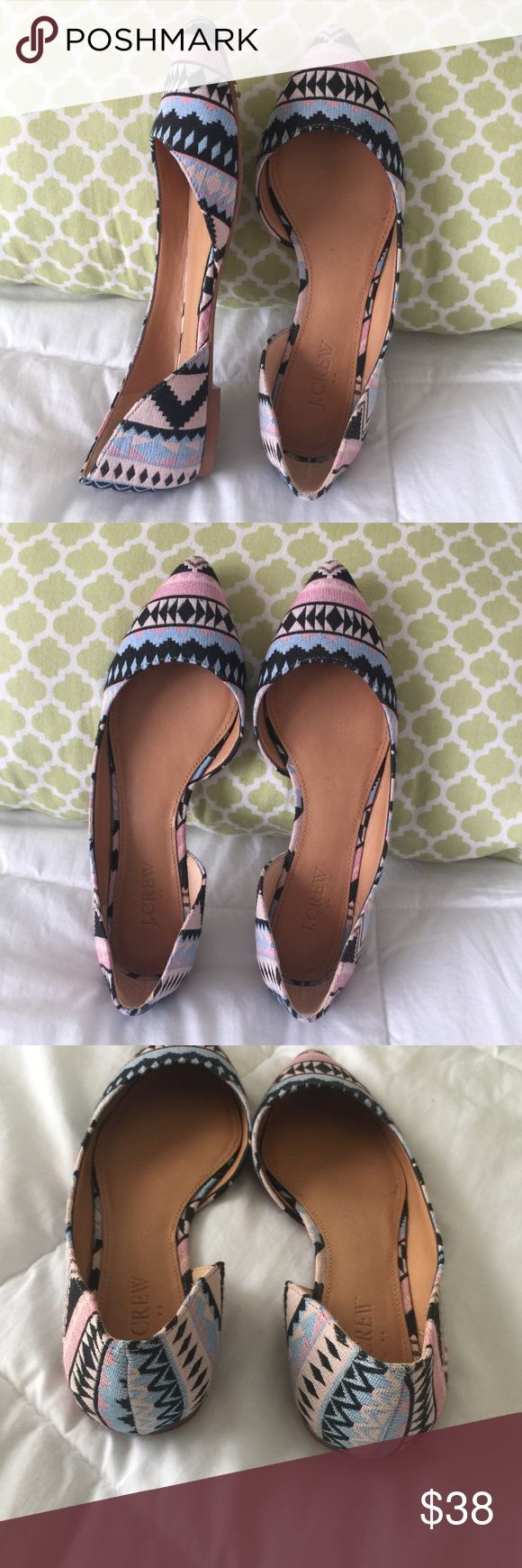 JCrew Aztec flats size 7 Worn once // EUC // Aztec print flats // leather sole // style # E8105 J. Crew Shoes Flats & Loafers