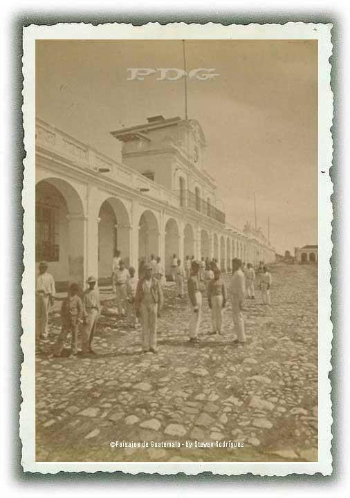 LA PLAZA CENTRAL CIUDAD GUATEMALA fotografia de PAISAJES DE GUATEMALA #conozcamosguate