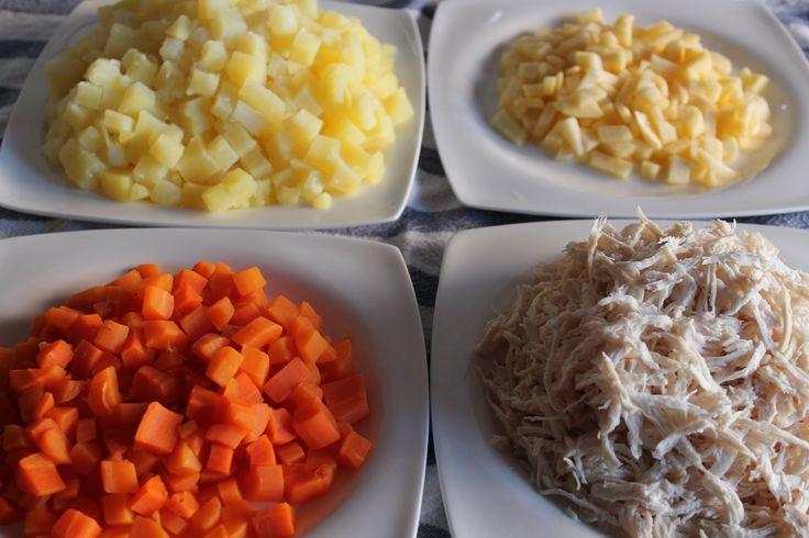 """Ingredientes para la """"Ensalada de Pollo"""", no te pierdas los secretos y trucos, que enseña las recetas de la abuelita, síguela en www.kelebek.es"""
