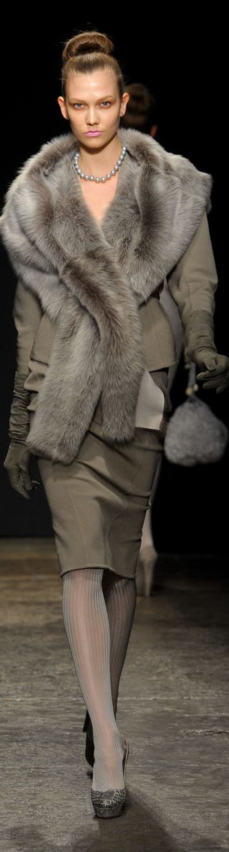 OMG!!!!  This is fabulous, I know spring is here but I love fall winter clothes, this Donna Karan outfit is to die for!!!!