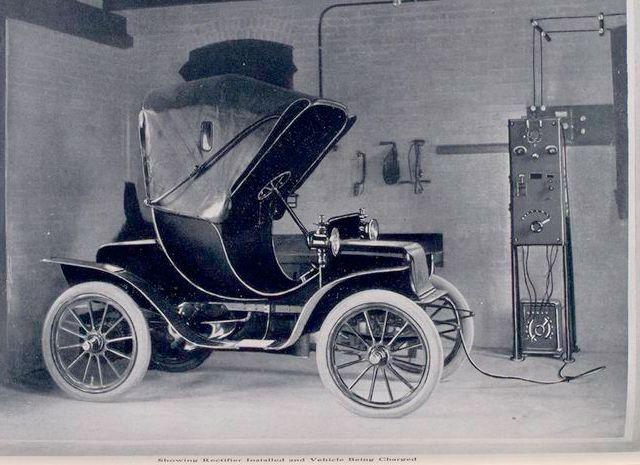 1905 Electric Auto Electric Cars Antique Cars Electric Car