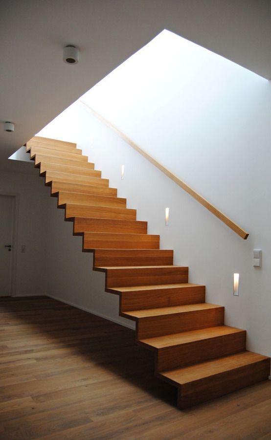Einfamilienhaus in Osthofen : Treppen von Julia Schlotter Design
