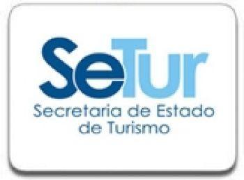 Uma das dúvidas mais recorrentes é em relação aos carros de passeio voltados para o transporte de turistas que, obrigatoriamente, tem que estar em nome de empresas e operadoras de turismo cadastradas no Cadastur. Assim está garantido, pelo Detro e pelo Ministério do Turismo, o direito de circulação no município e no estado do Rio de Janeiro.  http://www.jornaldeturismo.tur.br/noticias/riodejaneiro/56232-turisrio-define-regras-para-carros-de-passeio-com-fins-turisticos