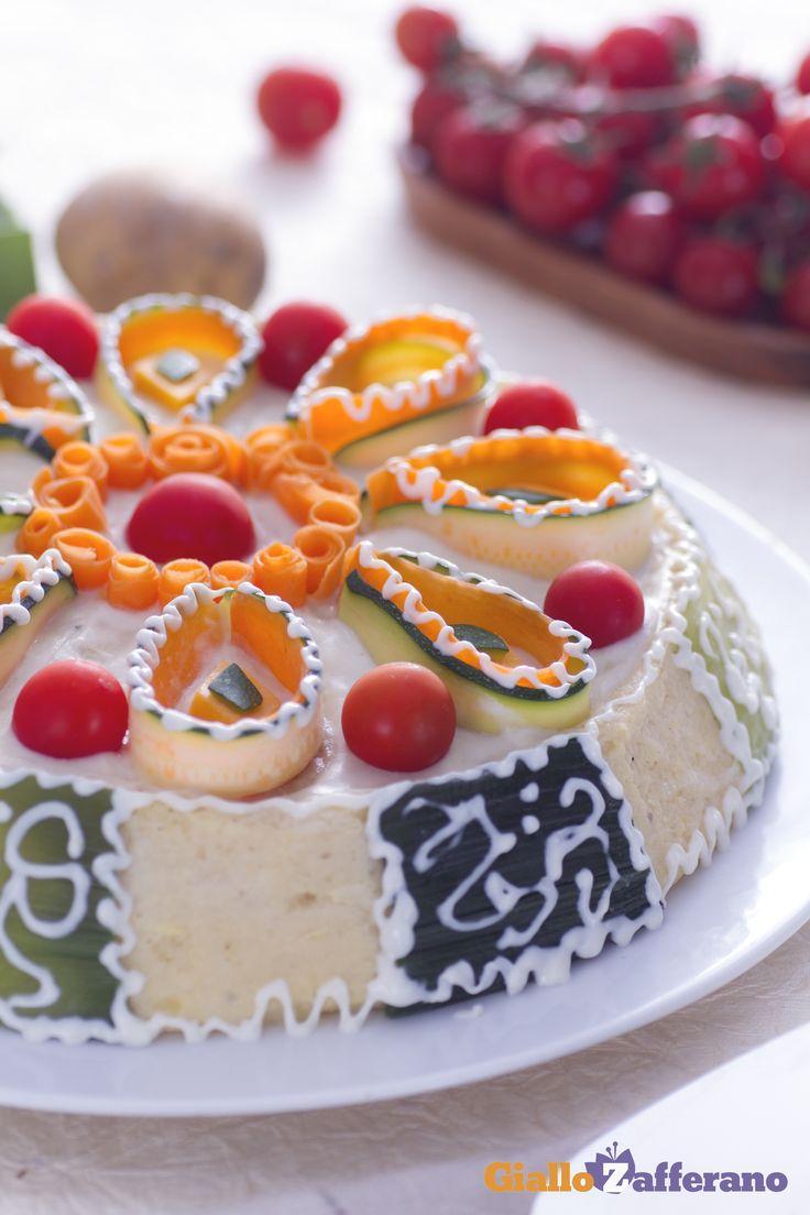 Divertente e stuzzicante la cassata salata è un piatto per le grandi occasioni che una volta portata in tavola catalizzerà l'attenzione e la curiosità di tutti gli ospiti. #ricetta #GialloZafferano #italianfood #italianrecipe