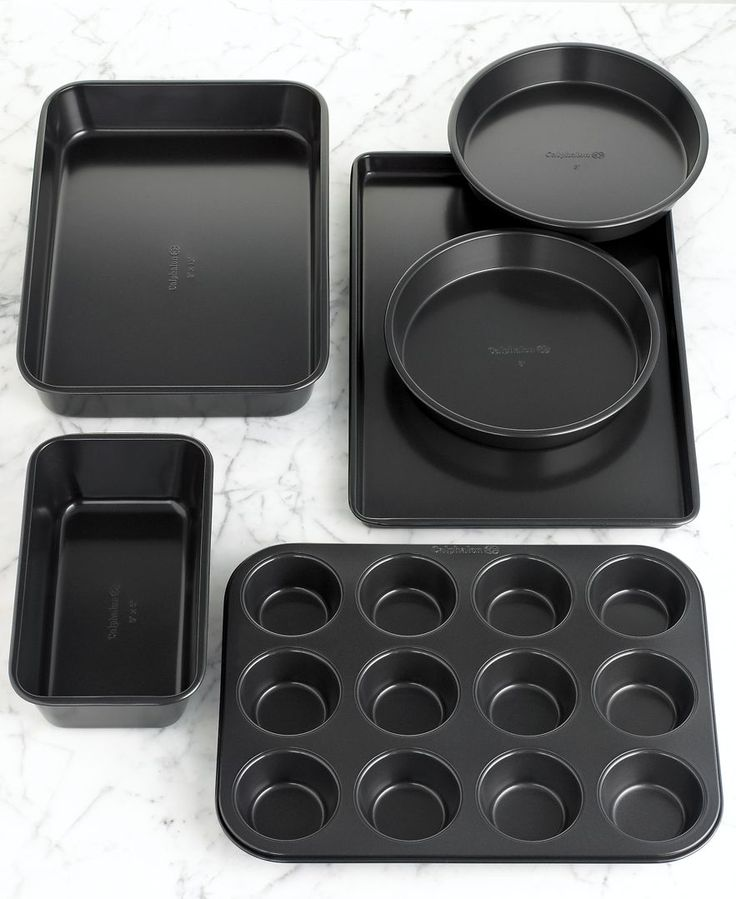 After having not-so-special, specially designed bakeware, I've learned that simple is better. These look great! Simply Calphalon 6-Piece Bakeware Set